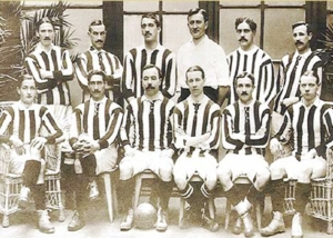 Athletic Club en 1910, de rojiblanco