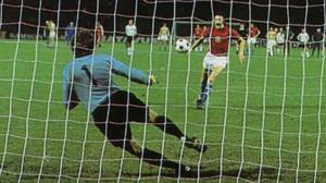El famoso penalti de Panenka en la Eurocopa de 1976