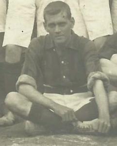 Herbert Richard-Jones con la camiseta del Español FC de Cádiz