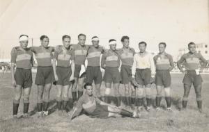 SCD Mirandilla 1935/36, con Espinosa de los Monteros tumbado en el suelo